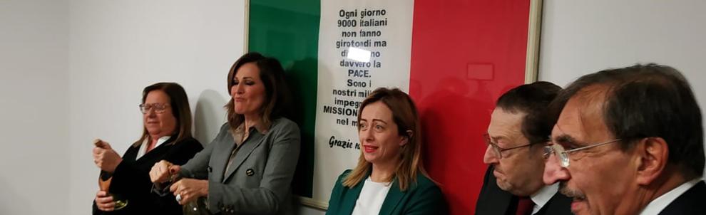 Giorgia Meloni con Riccardo De Corato, Paola Frassinetti, Daniela Santanchè e Ignazio La Russa