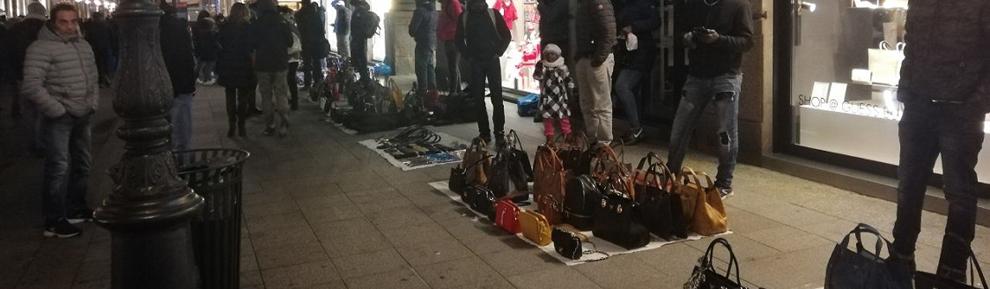 Venditori abusivi a Milano