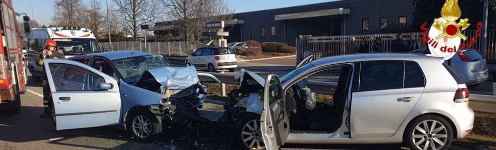 Incidente auto a Vanzaghello